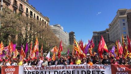 """Milers de persones marxen a Barcelona per un """"treball digne i drets"""""""