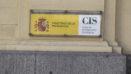 Quatre de cada deu espanyols volen mantenir l'actual Estat autonòmic