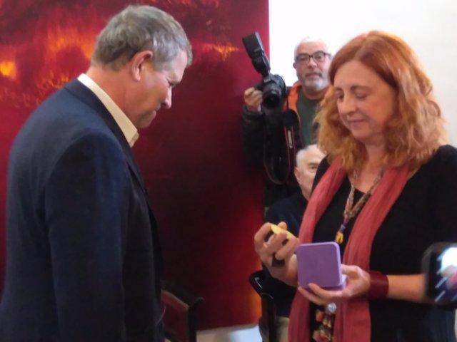 La hija del pintor ha recogido el galardón de manos del presidente del Círculo