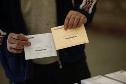 PSOE i Podem plantegen que emigrants que van demanar votar el 20D no hagin tornar a fer-ho (EUROPA PRESS)