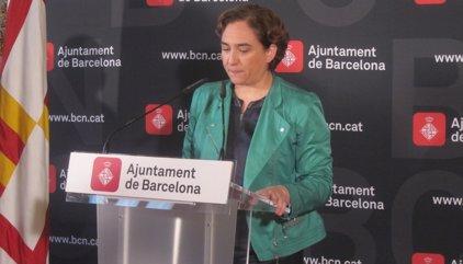 Ada Colau invita ERC i CUP a sumar-se a un govern municipal amb el PSC