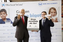 Obra Social La Caixa i Banc dels Aliments preveuen recaptar 800.000 litres de llet a Catalunya (OBRASOCIALLACAIXA/JORDINIEVA)