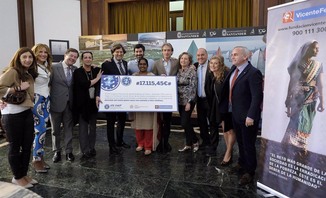 Los administradores de fincas c ntabros donan euros for Administradores de fincas en leon