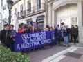 Miembros del Hogar Social se manifiestan al grito de 'ayudas sociales para los nacionales'