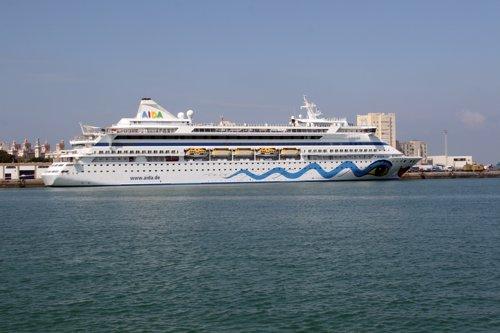 Diputación y APBC firman un protocolo para analizar la viabilidad de convertir Cádiz en base de cruceros
