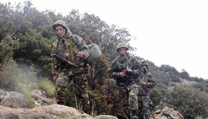 Las fuerzas de Argelia matan a tres presuntos terroristas en el norte del país
