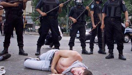 La Justicia condena a los responsables de la represión policial de Buenos Aires de 2001