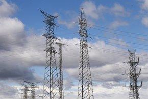 Foto: El consumo eléctrico de las grandes empresas crece un 0,7% en abril (EUROPA PRESS)