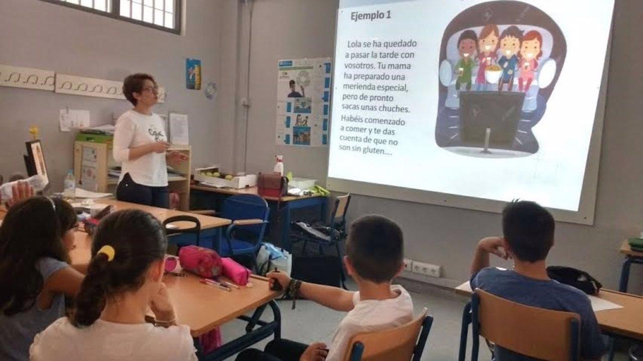 Alumnos aprenden sobre celiaquía