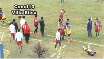 Muere un futbolista en Argentina tras recibir un rodillazo
