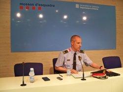 14 dels 15 ferits en els disturbis de Gràcia eren Mossos (EUROPA PRESS)