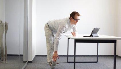 6 ejercicios de estiramientos para la oficina