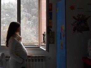 La contaminación atmosférica, ¿factor de riesgo de muerte fetal? (PIXABAY)