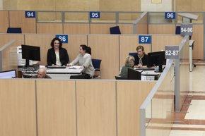 Foto: Los españoles declaran 13.700 millones en el extranjero por primera vez en 2016 (EUROPA PRESS)