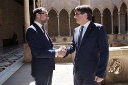 Puigdemont es reuneix a la Generalitat amb l'ambaixador dels Estats Units a Espanya (JORDI BEDMAR/GENCAT)