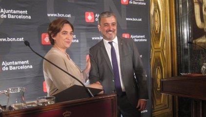 """Colau i Collboni formalitzen un acord de Govern """"per Barcelona"""" i tornen a convidar ERC"""