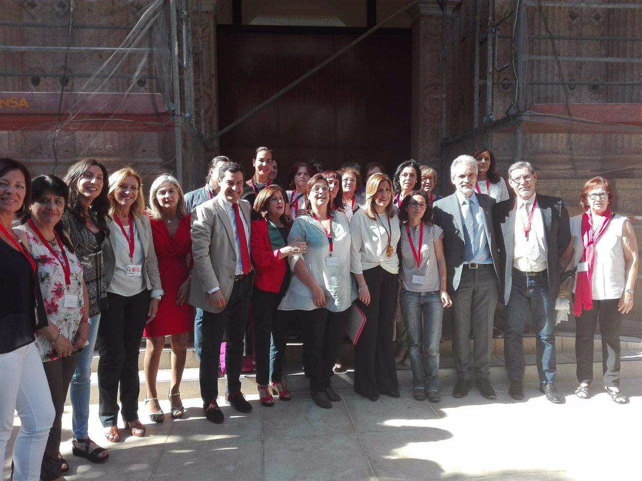 Susana Díaz y Juanma Moreno con las asociaciones de fibromialgia