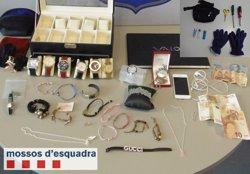 Els Mossos detenen un home quan sortia de robar d'una casa a Lleida (MOSSOS D'ESQUADRA)