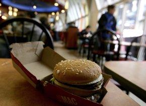 Foto: ¿Cuánto hay que trabajar en Iberoamérica para comprar una hamburguesa? (GETTY IMAGES)