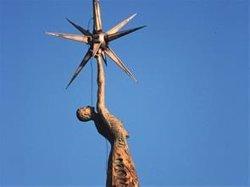 Tortosa celebra aquest dissabte una consulta popular sobre el monument franquista (SÍNDIC DE GREUGES)