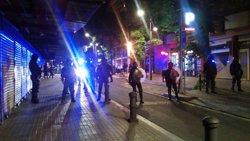La Fundació Barcelona Comerç dóna suport als Mossos en els aldarulls a Gràcia (EUROPA PRESS)