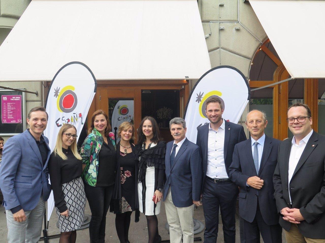 Sevilla se promociona en z rich para reforzar su oferta for Oficina de turismo de suiza en madrid