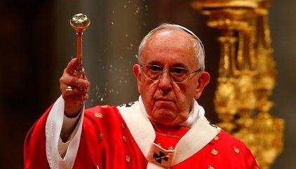 El Papa pide que no haya horarios en las parroquias y que estén siempre abiertas