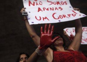Foto: Brasil sustituye al encargado de la investigación de la violación en grupo de una menor (REUTERS)