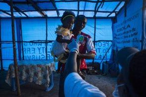 La OMS culpa a los países de la propagación del ébola (UNICEF)