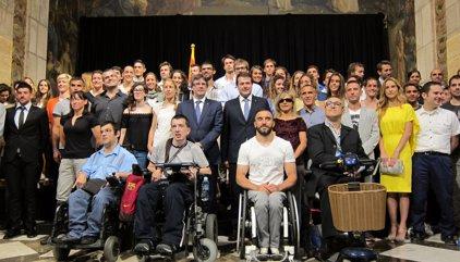 """Puigdemont veu els 112 esportistes olímpics catalans com un """"referent"""" de superació"""