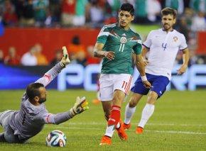 Foto: El futbolista Alan Pulido escapó tras arrebatarle un móvil a uno de sus secuestradores (REUTERS)