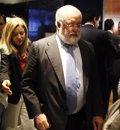 La Eurocámara pide a Cañete que comparezca para dar explicaciones sobre su implicación en casos de corrupción