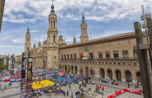 Circuito Zaragoza : El circuito plaza congrega a más de equipos en