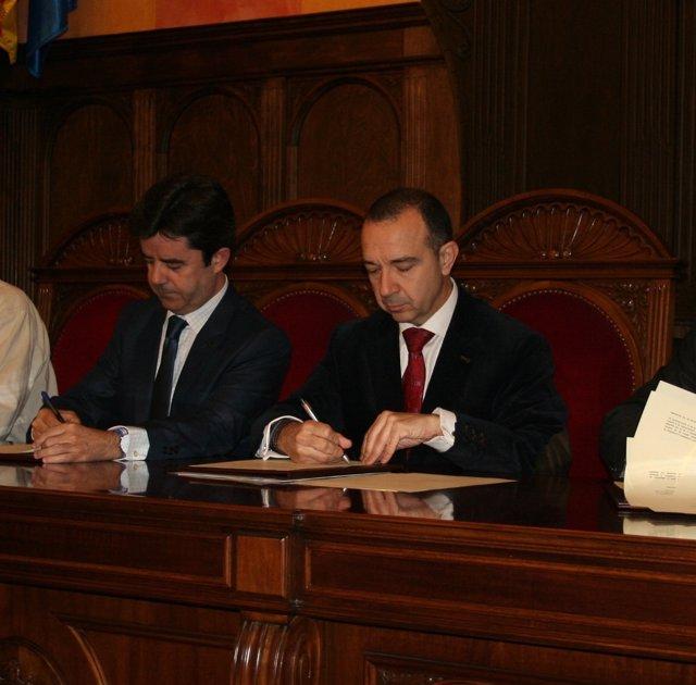 Huesca y 39 la caixa 39 impulsan una oficina de atenci n ante for Oficinas la caixa en zaragoza
