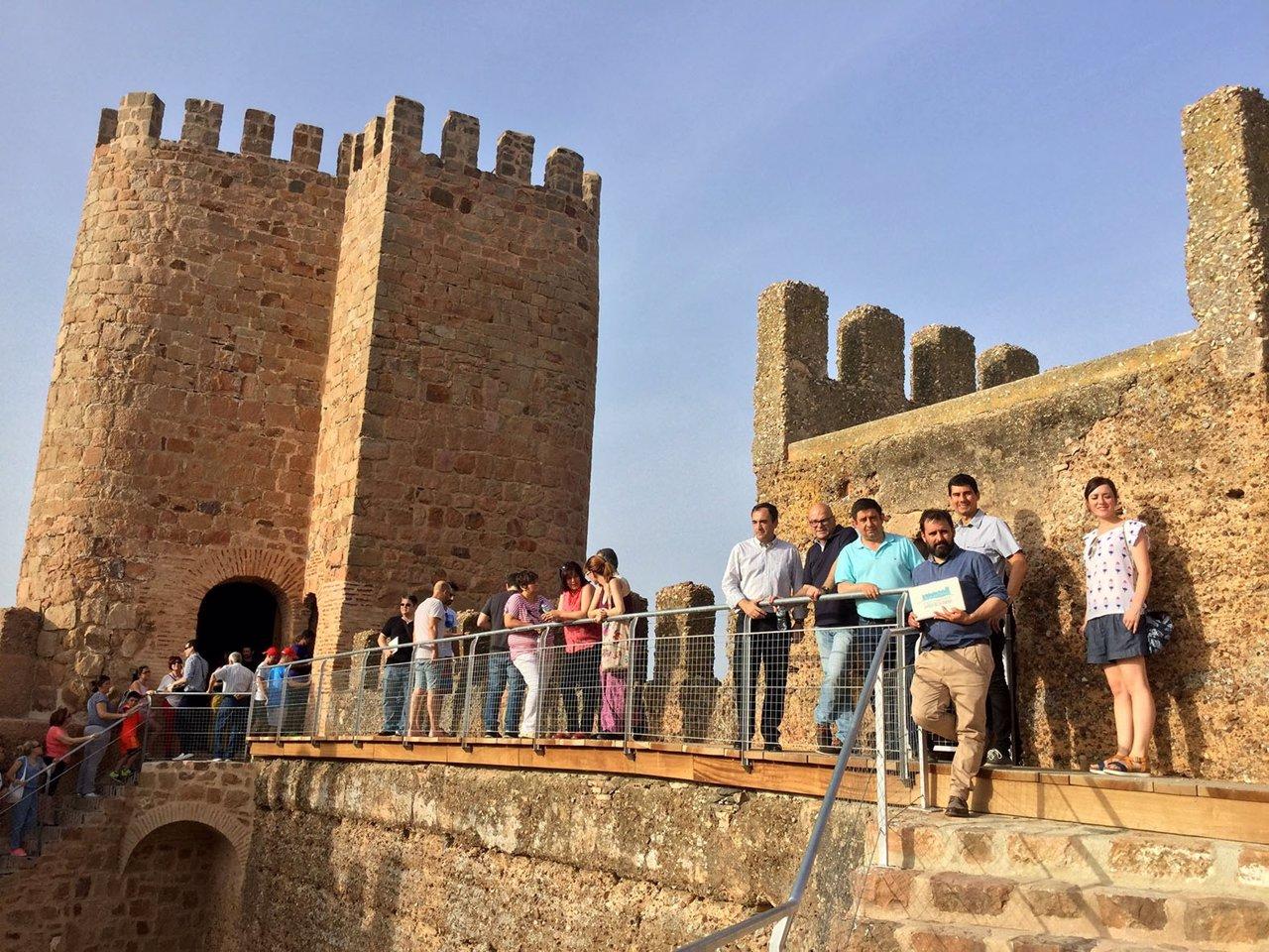 El castillo de ba os de la encina ja n muestra su nueva - Muestras de banos ...