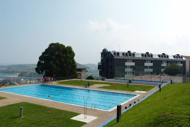 Los cursos de nataci n s lo se impartir n en julio por las for Climatizar piscina