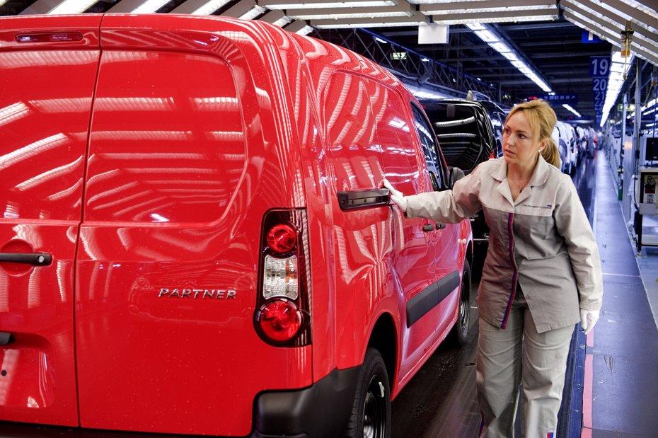 Foto: El 'Brexit' afectaría a más de 6.100 millones de euros de exportaciones de la automoción a Reino Unido (PSA PEUGEOT CITROËN)