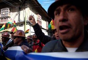 Foto: Una veintena de manifestantes detenidos en unas movilizaciones sindicales en Bolivia ( REUTERS/DAVID MERCADO)