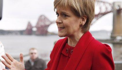 """Escocia plantea un segundo referéndum de independencia y anuncia contactos """"inmediatos"""" con la UE"""