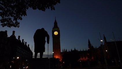 Mutismo de la clase dirigente británica ante las demandas de la UE de agilizar la salida