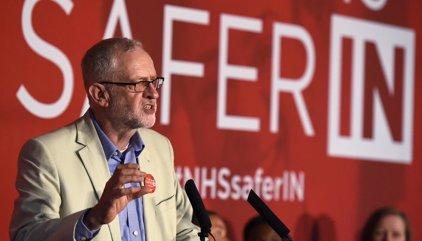 Corbyn destituye a ministro en la sombra que preparaba un movimiento interno en su contra