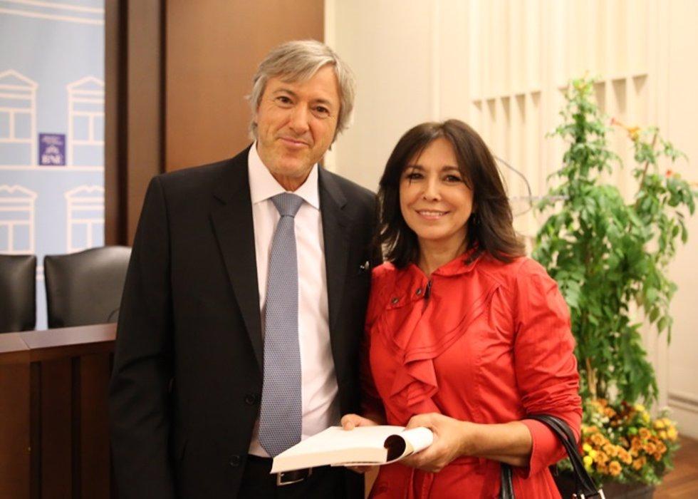 El poeta Alejandro Roomers publica su nueva obra España en mi y otros poemas