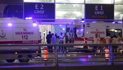 Al menos 28 muertos por el atentado en el aeropuerto de Estambul