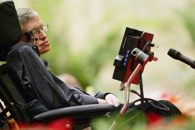 Steven Hawking, desde los 21 años luchando contra el ELA
