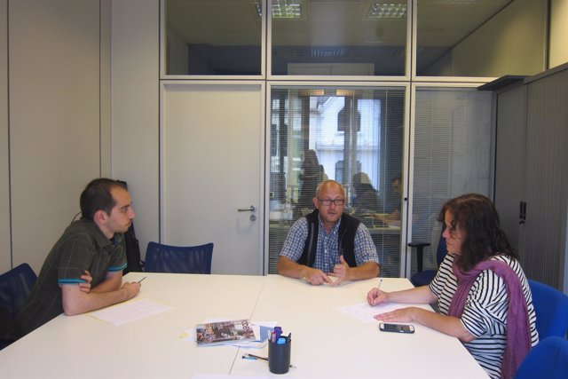 Paula Valero y Héctor Piernavieja se reúnen con el presidente de Fapas.