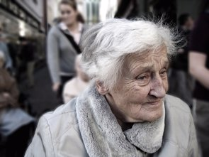 El riesgo genético del Alzheimer se pueden detectar 10 años antes de los síntomas (PIXABAY)