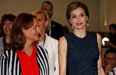 La Reina Letizia, preocupada por la desnutrición y la obesidad en París