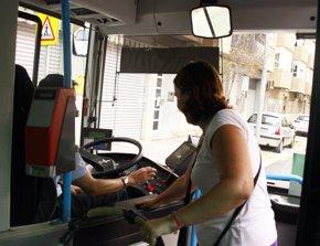 Foto: Los transportistas públicos prevén un aumento de viajeros del 3% este año y piden más inversión (EUROPA PRESS/TORRENT)