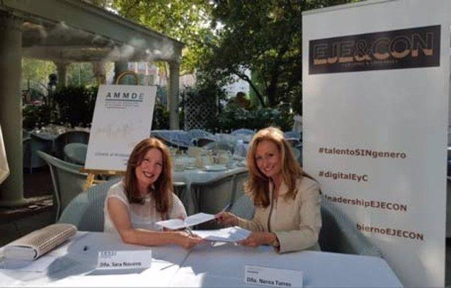 Foto: Asociaciones de mujeres firman un convenio para impulsar el equilibrio de género (EJE&CON)