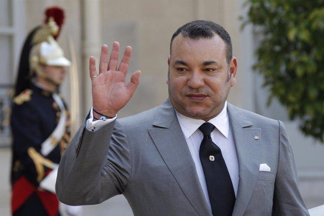 """Foto: Mohamed VI: """"Ha llegado el momento de que Marruecos recupere su lugar natural en la UA"""" (JOHN SCHULTS / REUTERS)"""